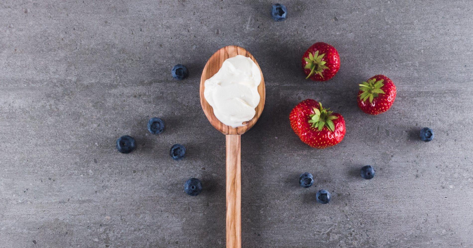 Low Carb: Crème fraîche - einfach so, ohne alles