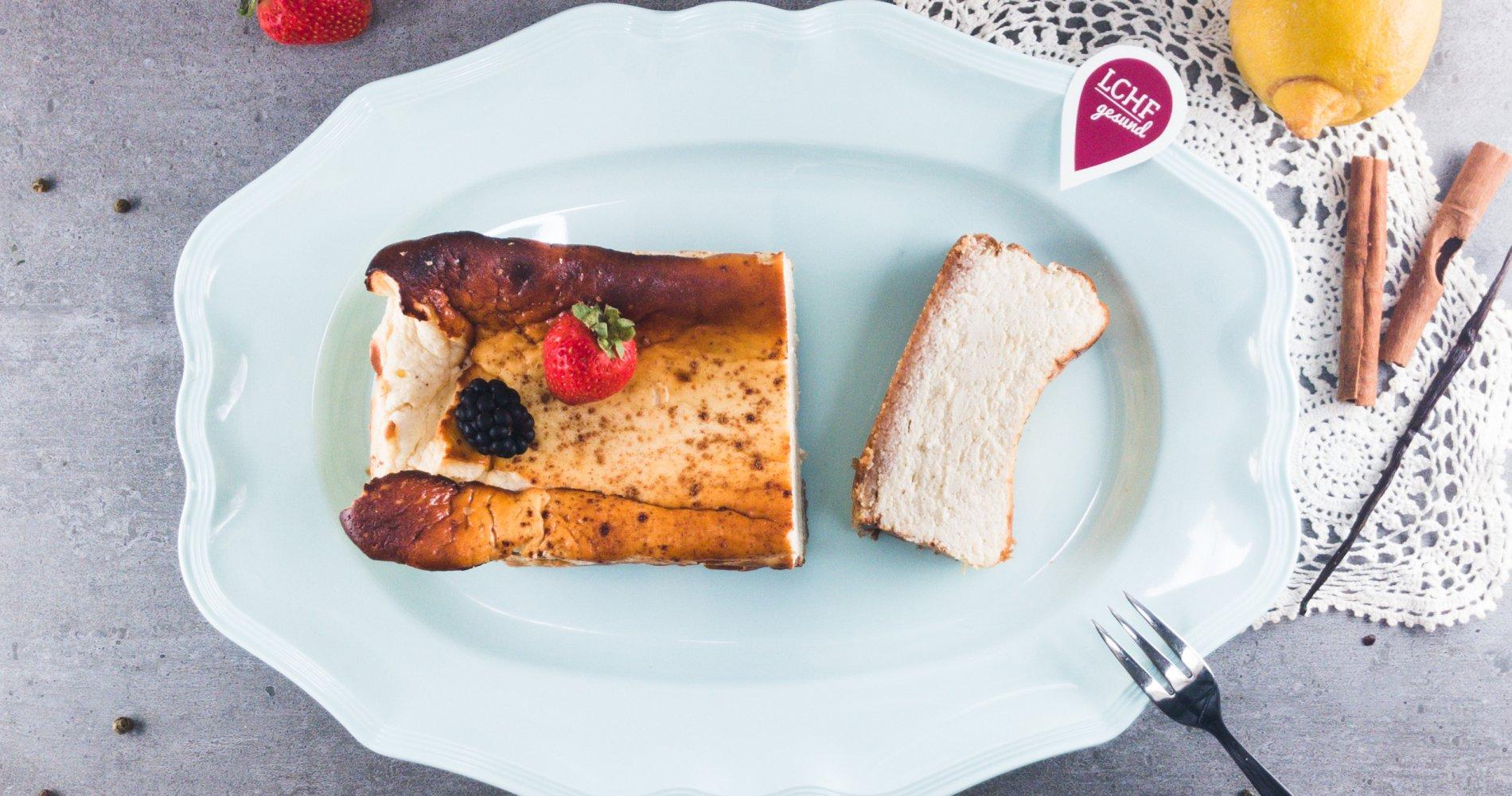 Low Carb: Luftiger Käsekuchen - mit Erdnussbutter-Mandelboden