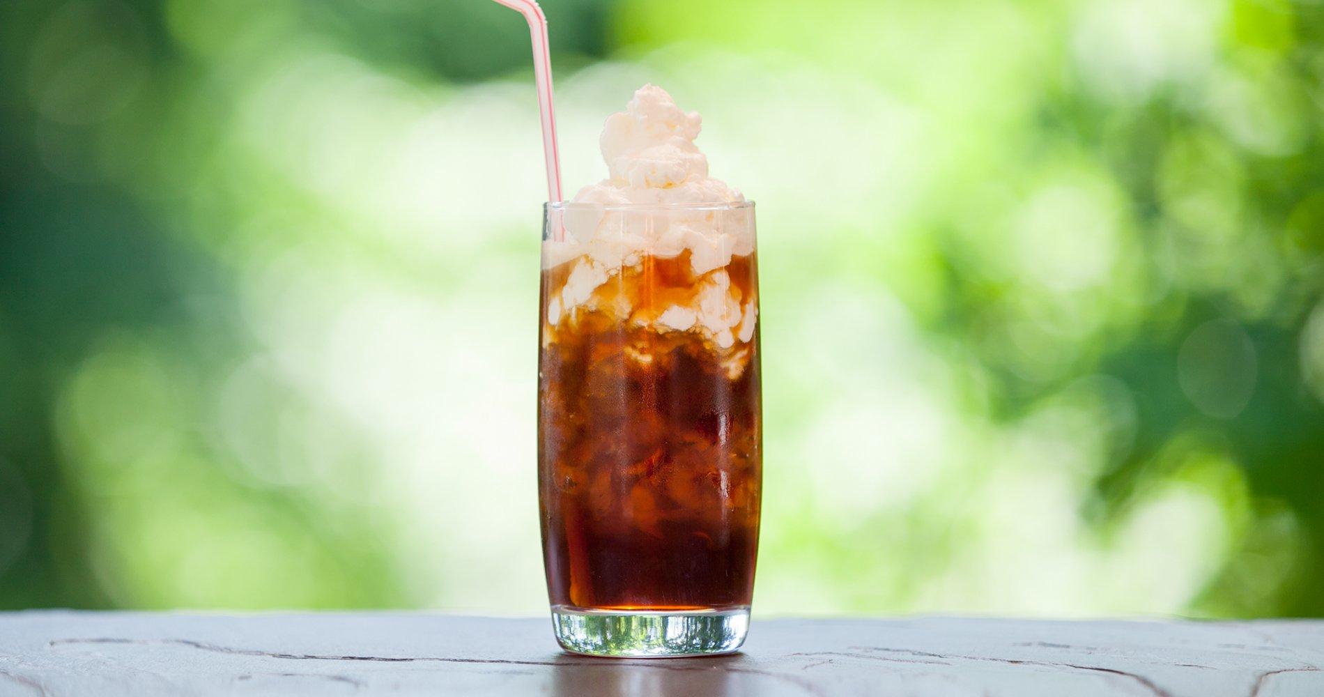 Low Carb: Eiskaffee mit Schlagsahne - und Bourbon-Vanille