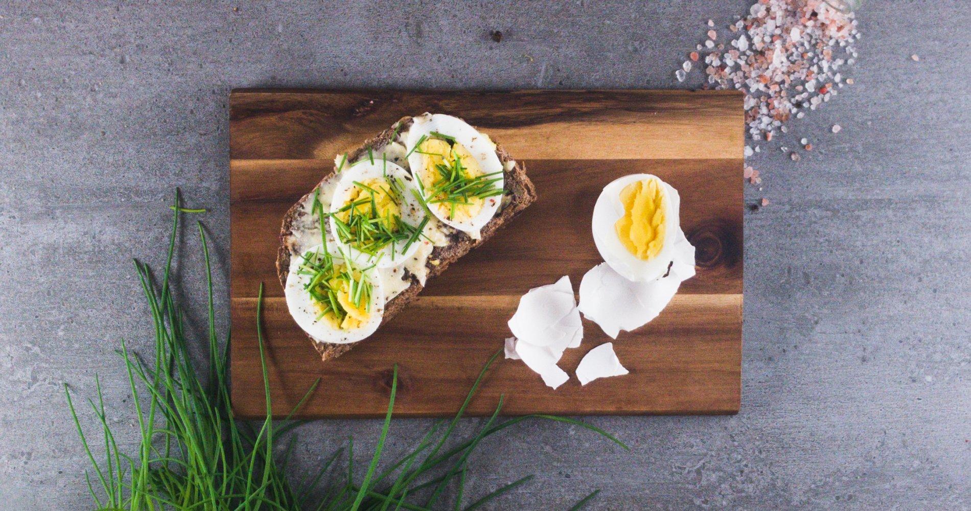 Low Carb: Eier-Schnittlauchbrot - Als Brotzeit, Frühstück und Snack