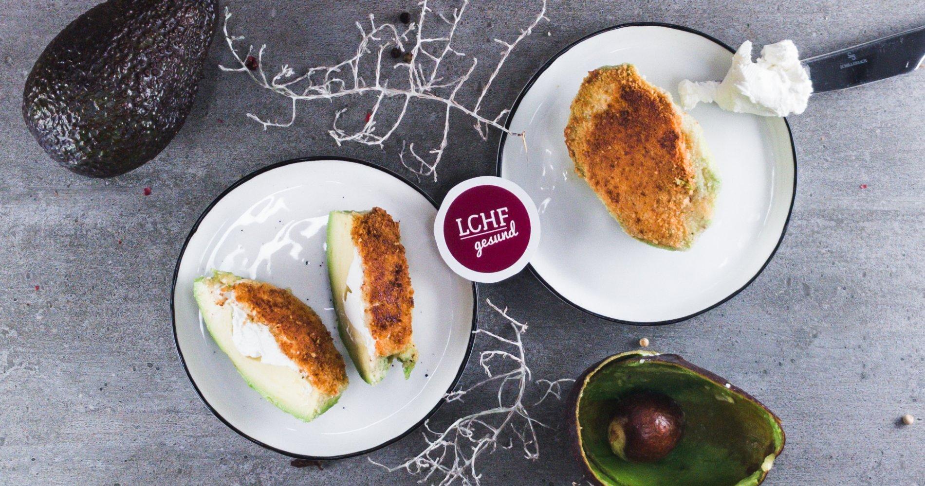 Low Carb: Avocado paniert aus der Pfanne - mit leckerem Ziegenfrischkäse