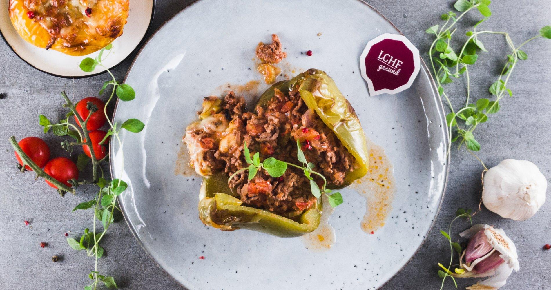 Rezept Low Carb: Gefüllte Paprika aus dem Ofen - LCHF-gesund.de
