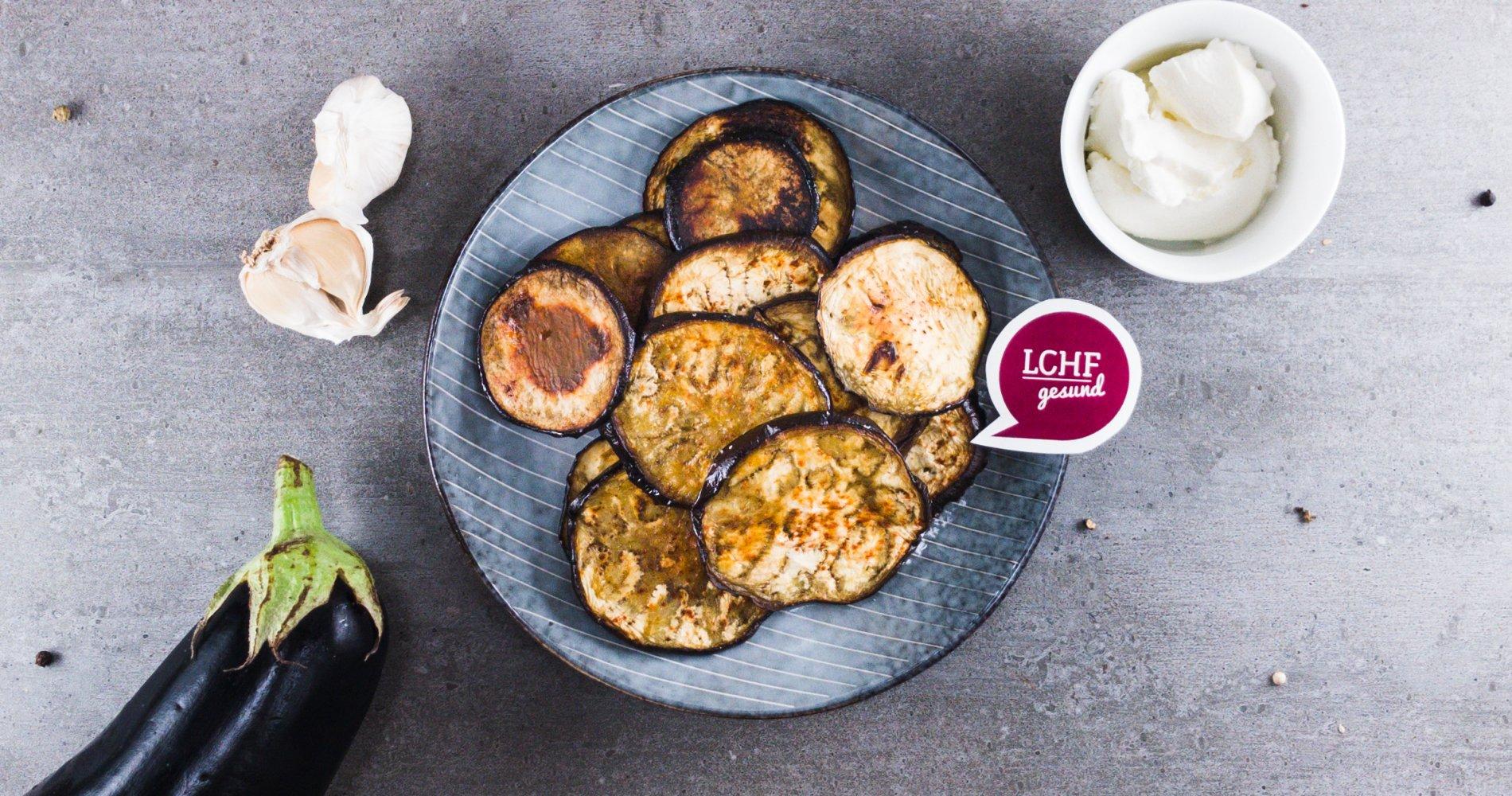 Low Carb: Auberginenchips aus dem Ofen - Knusprig und gesund