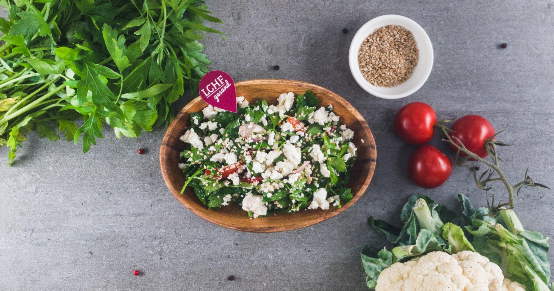 Low Carb: Libanesischer Petersiliensalat - mit Feta und Sesam