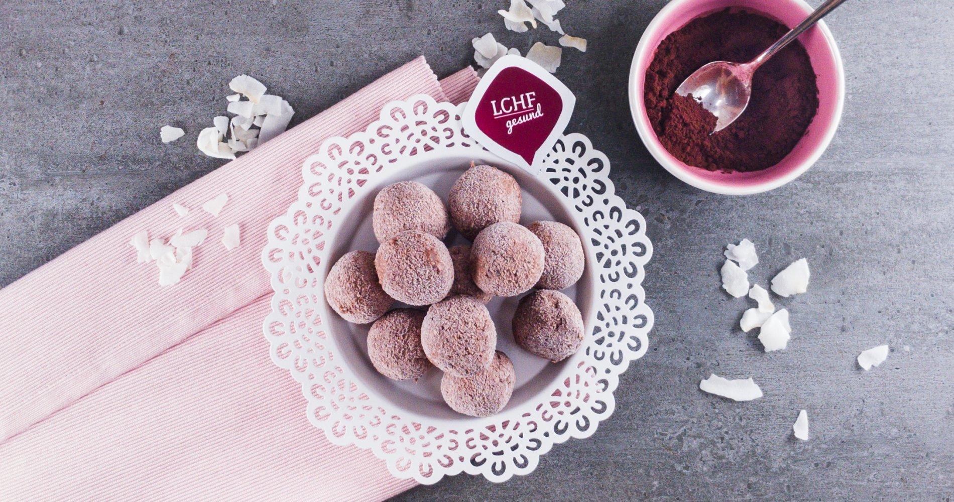 Rezept Low Carb: Eispralinen mit Kokos - LCHF-gesund.de