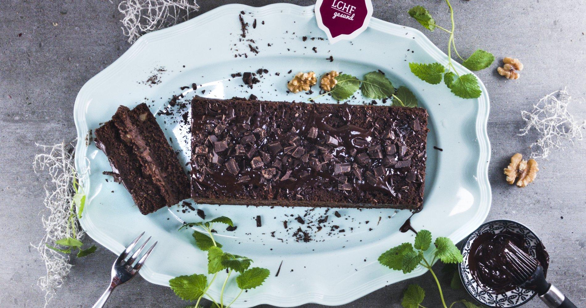 Low Carb: Schokoladen-Walnuss-Kuchen - Mega schokoladig und saftig