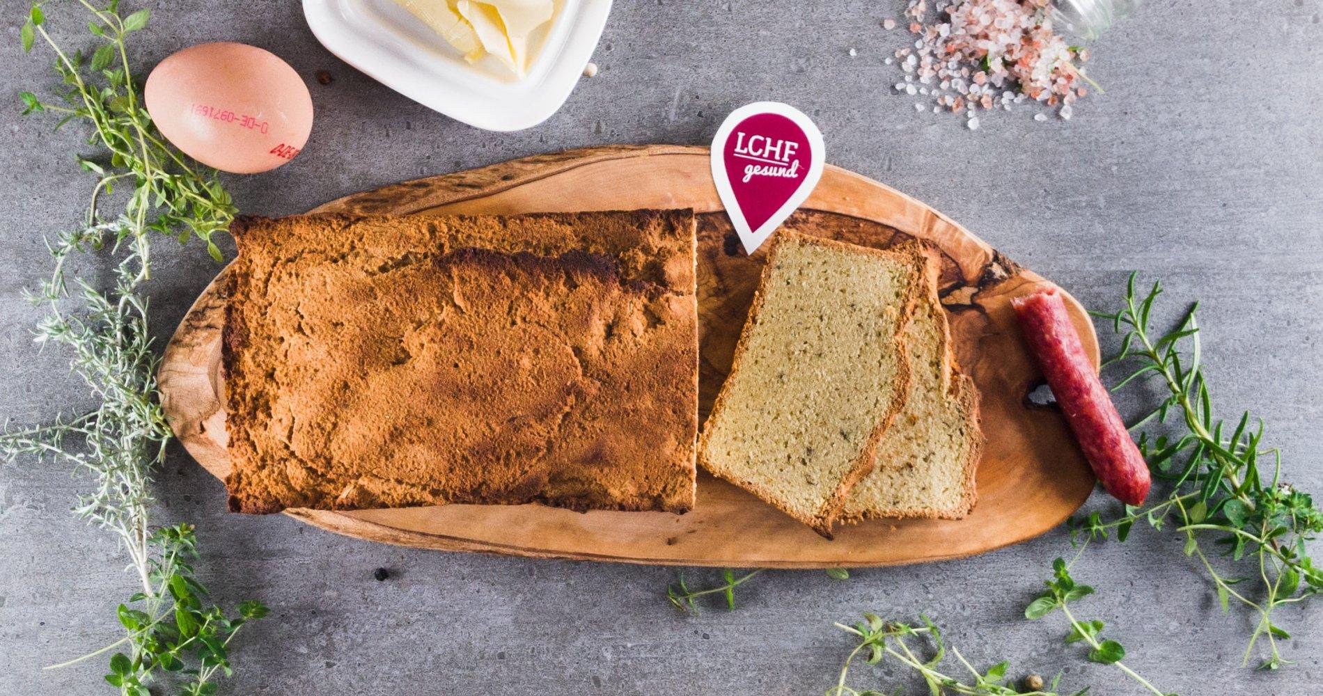 Low Carb: Kräuter-Mandel-Brot - zum Toasten, Dippen, Belegen