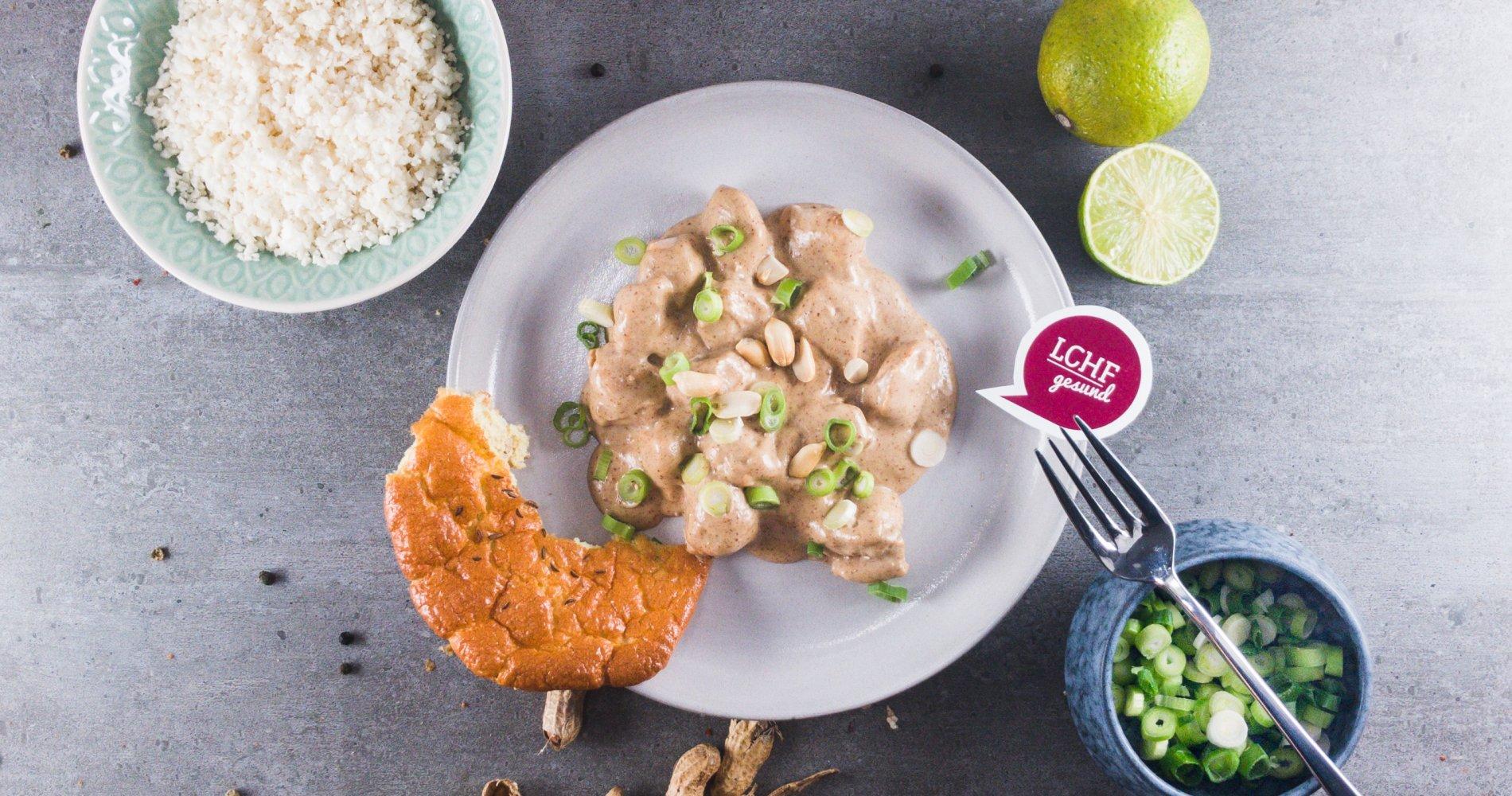 Low Carb: Huhn mit sämiger Erdnusssauce - Potenzial zum Lieblingsgericht