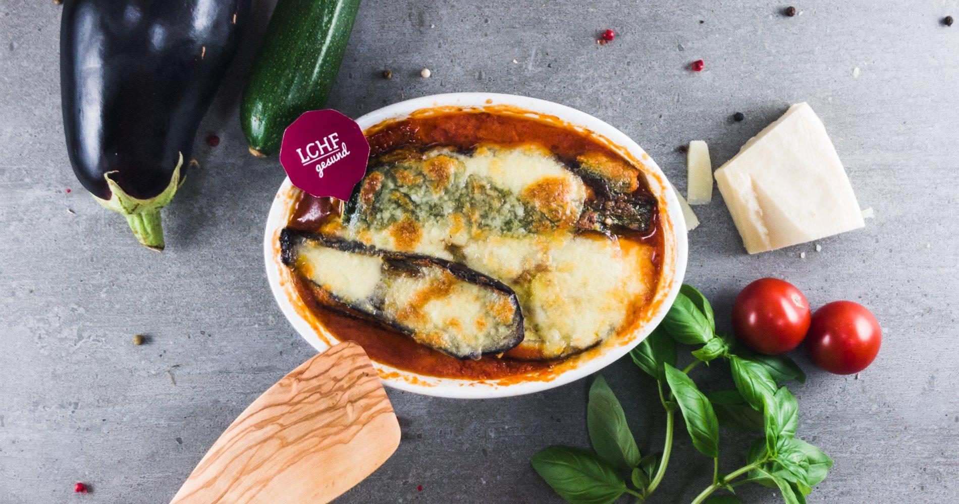 Rezept Low Carb: Vegetarische Auberginen-Zucchini-Lasagne - LCHF-gesund.de